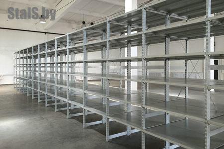 универсальные стеллажи на инструментальном складе 2