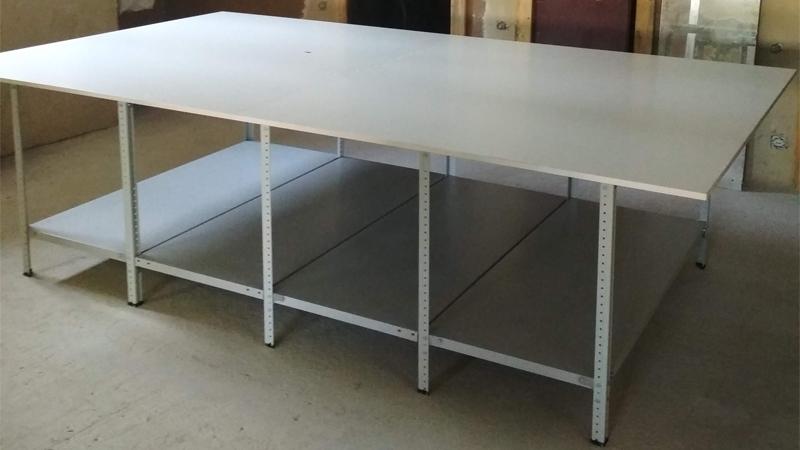 Раскройный стол с одной полкой